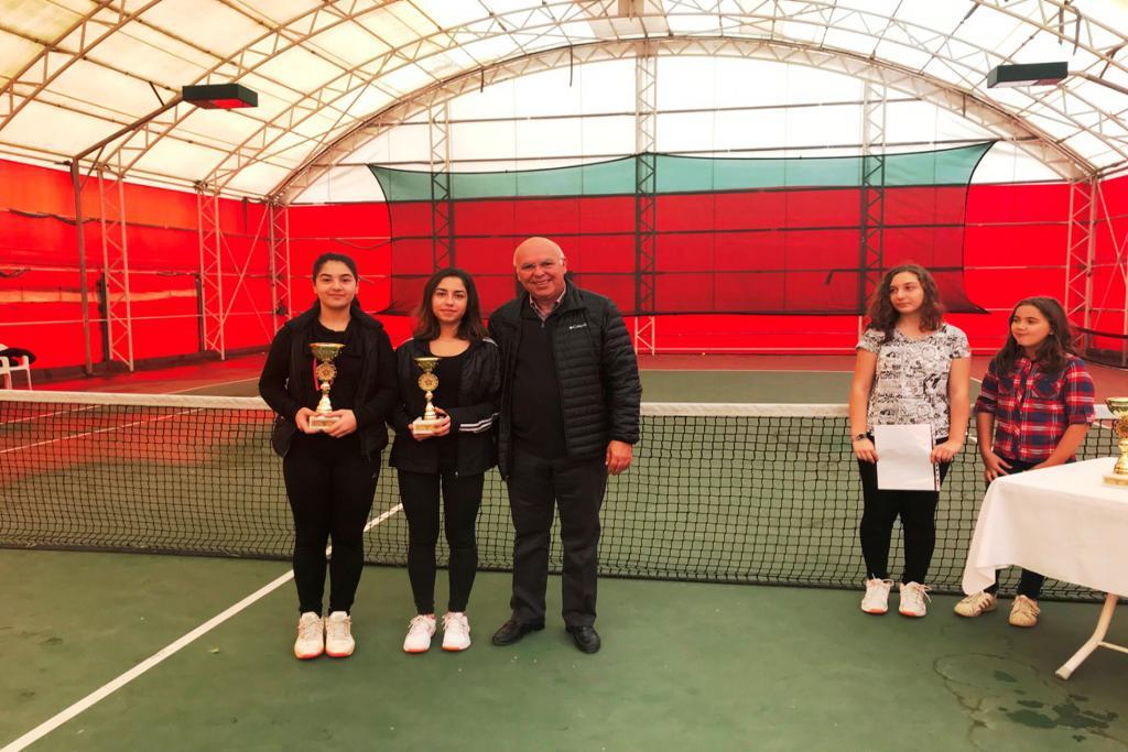 Atatürk'ü Anma ve Kurtuluş Kupası Tenis Turnuvası ödül töreni ile sona erdi