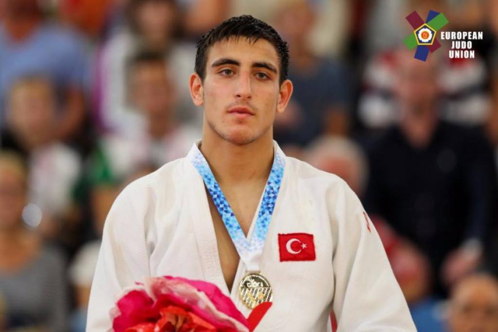 Mustafa Koç Avrupa Olimpik Gençlik Yaz Festivali'nden (EYOF) altın madalya ile döndü