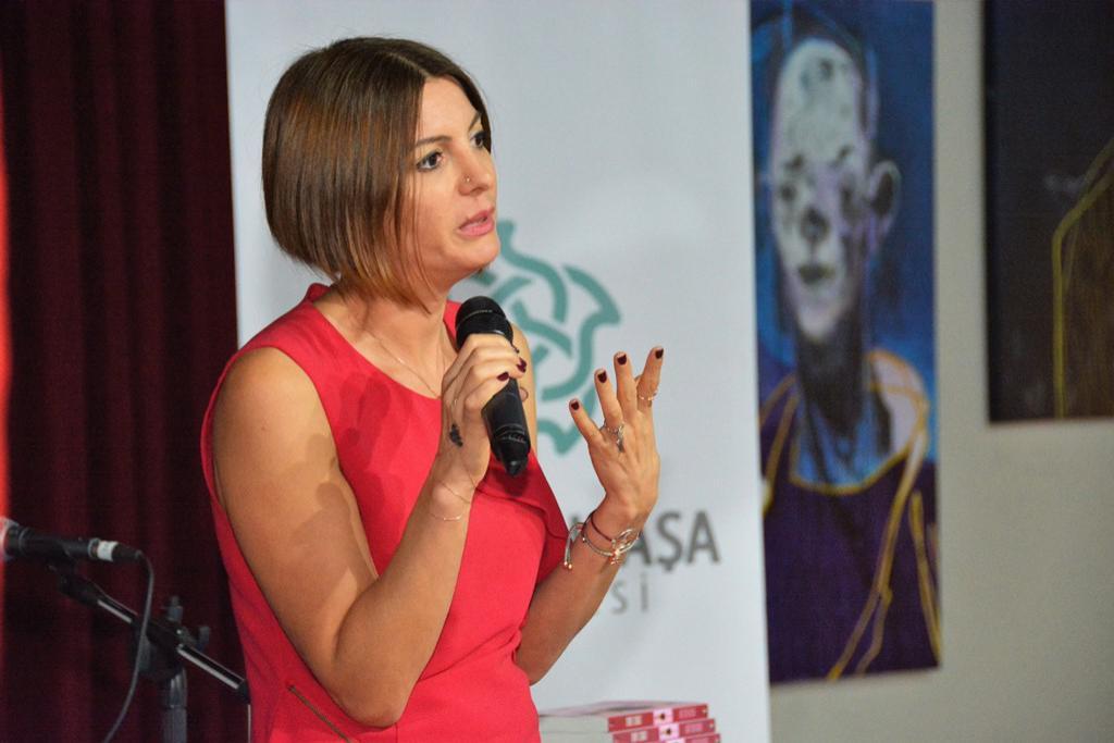 Süleymanpaşa Belediyesi sevilen yazar Demet Cengiz'i ağırladı