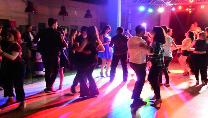 Alternatif Sahne'de dans başka güzel…
