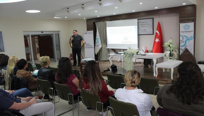 """Süleymanpaşa Belediyesi personeline """"Kamuda Etik"""" eğitimi"""