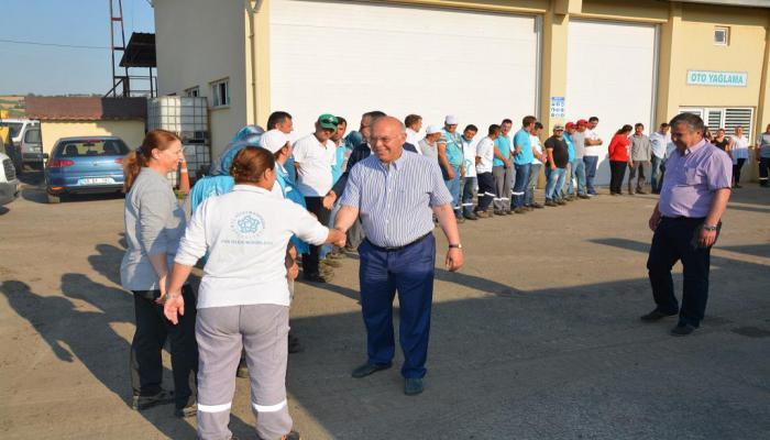 Başkan Eşkinat Süleymanpaşa Belediyesi personeli ile bayramlaştı