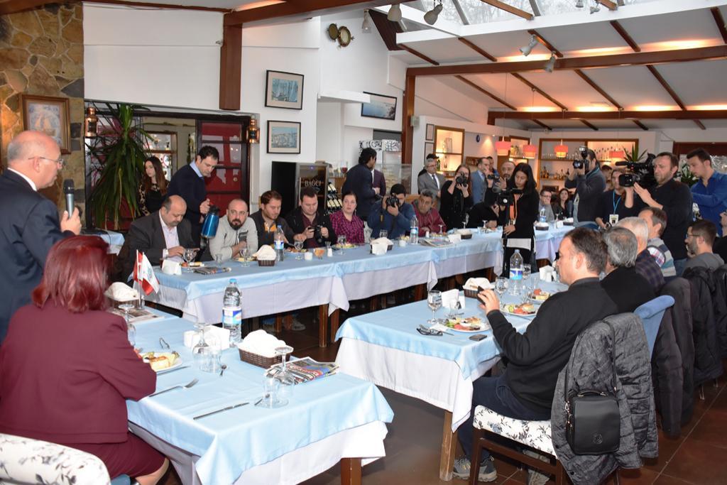 Başkan Eşkinat çalışan gazetecilerle kahvaltıda bir araya geldi