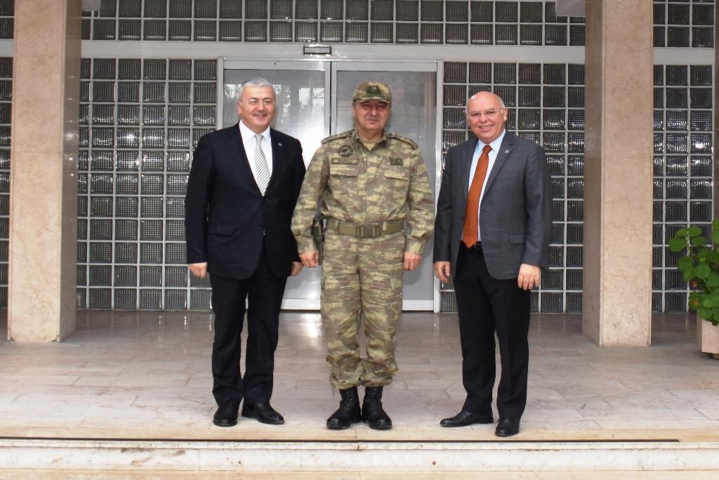 Başkan Eşkinat yeni Garnizon Komutanı Karslı'yı ziyaret etti