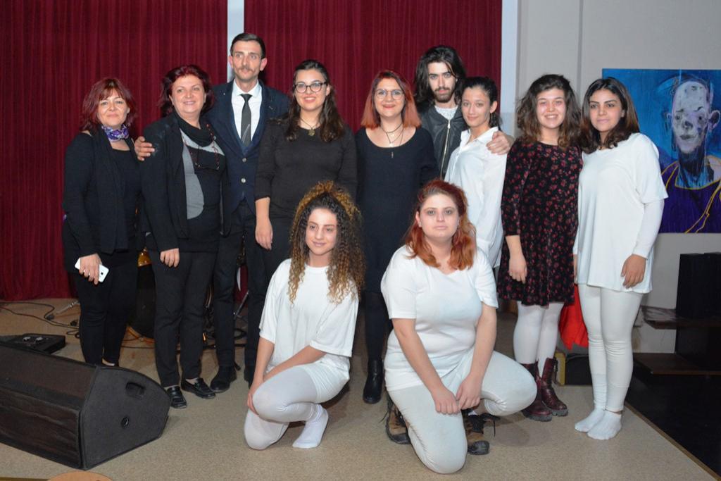 Kadınlar Günü tiyatro gösterisi ve konseri büyük beğeni topladı