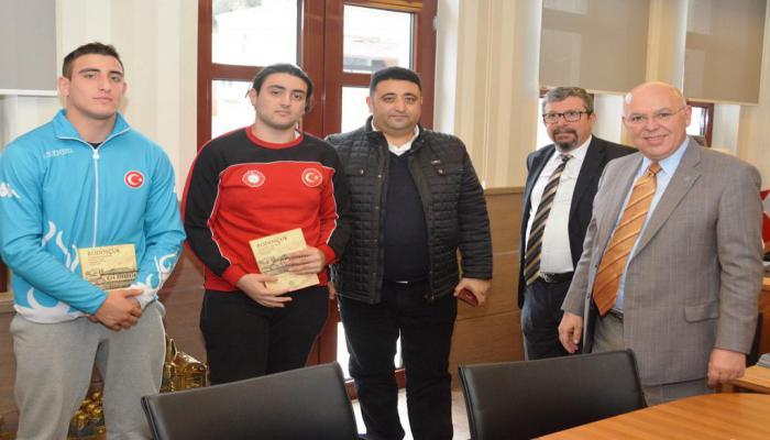 Başkan Eşkinat şampiyon judocuları ağırladı