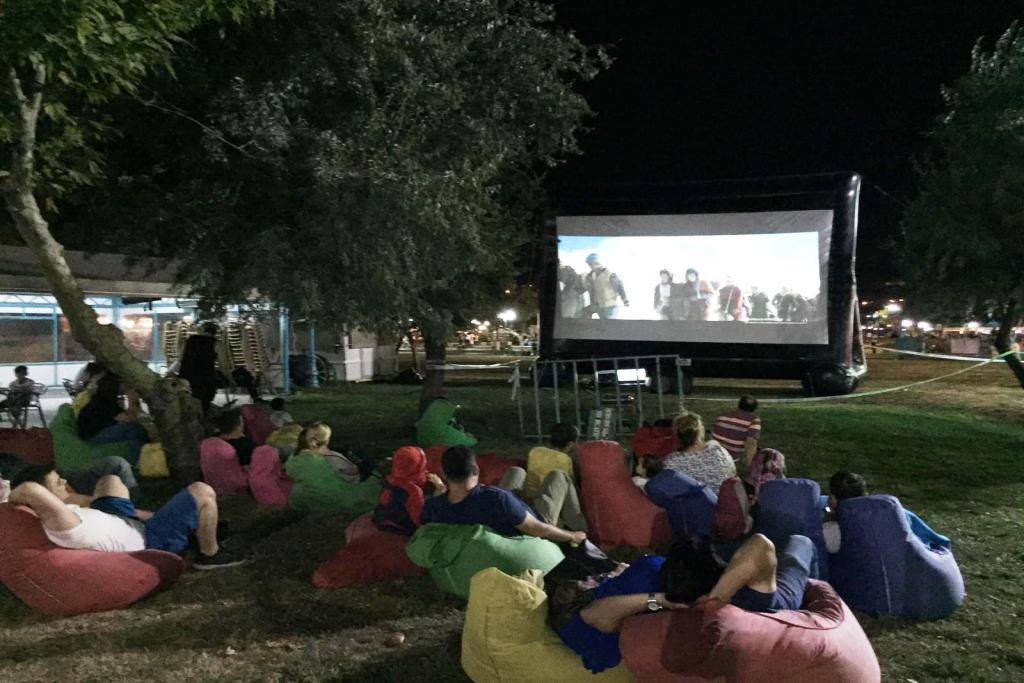 Süleymanpaşa Belediyesinden açık havada sinema keyfi