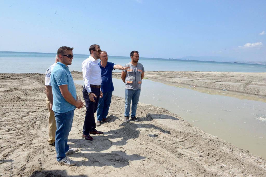 Başkan Yüksel Değirmenaltı'nda plajdan sonra dereye de el attı