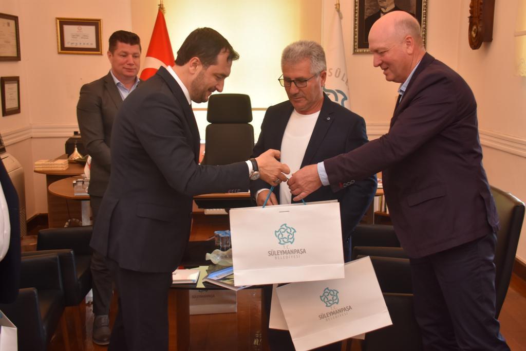 Romanya ve Bulgaristan'dan Başkan Yüksel'e tebrik ziyareti