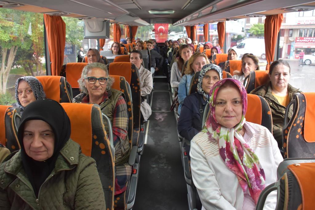 Süleymanpaşa Belediyesi muhtar eşlerine Edirne Gezisi düzenledi