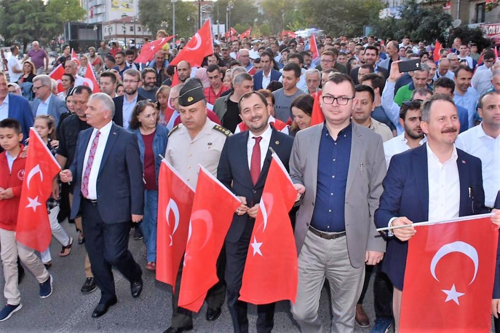 Başkan Yüksel 15 Temmuz Milli Birlik ve Demokrasi Günü coşkusuna ortak oldu