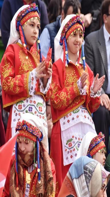 Başkan Yüksel, Ulusal Egemenlik ve Çocuk Bayramı kutlama programına katıldı