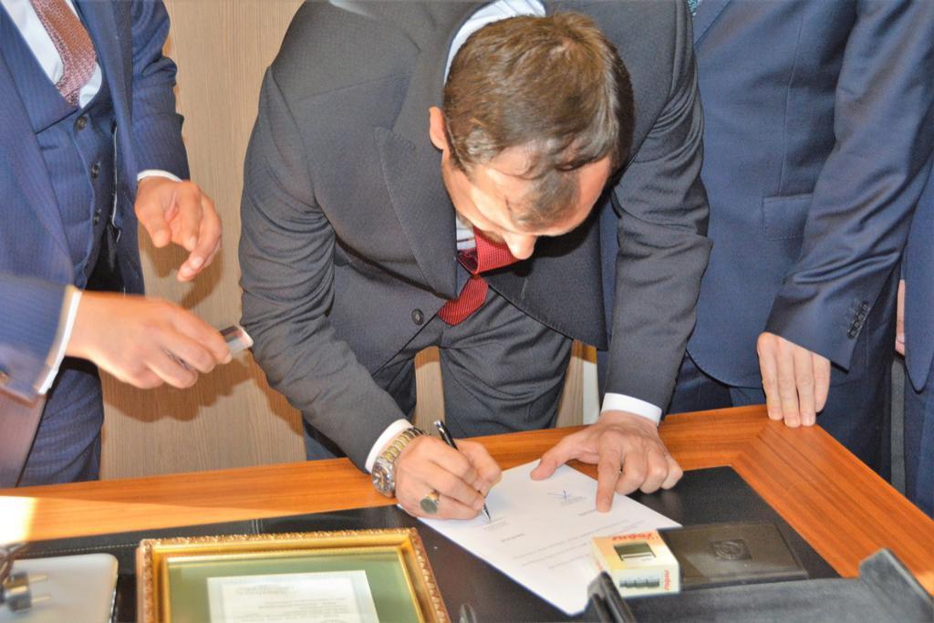 Başkan Yüksel görevi törenle devraldı