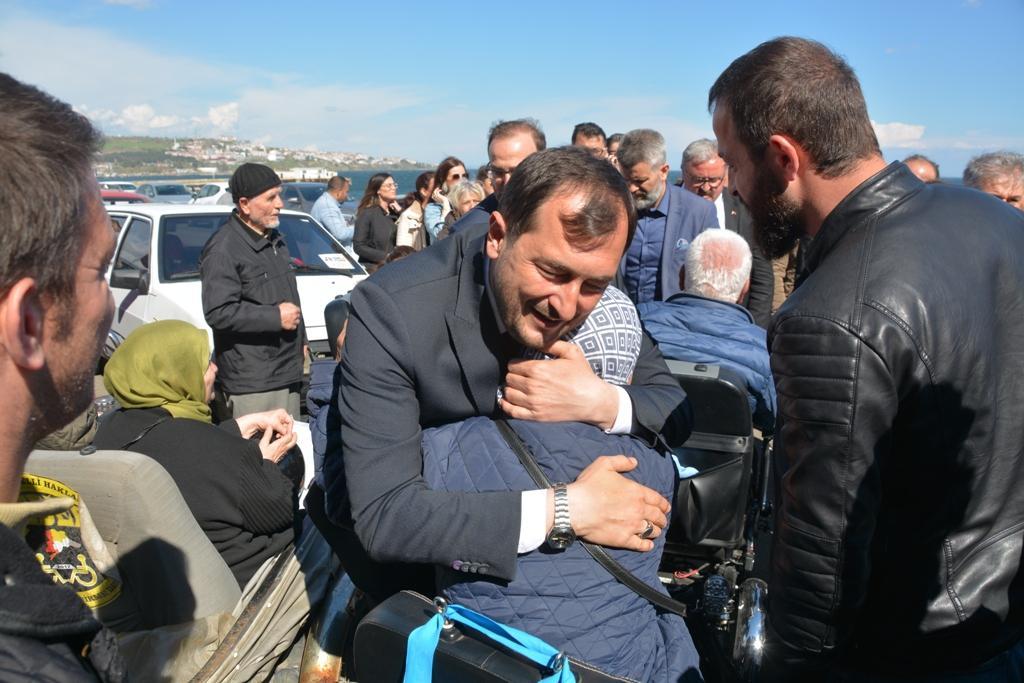 Yeni başkan Cüneyt Yüksel mazbatasını aldı
