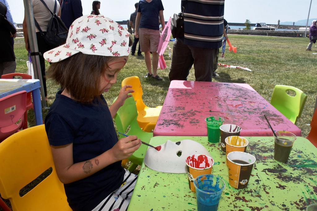 Süleymanpaşa sahili uçurtmalarla renklendi
