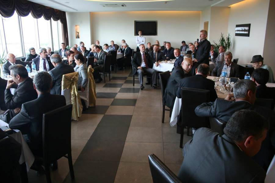 Başkan Eşkinat 74 mahalle muhtarının sorunlarını dinledi