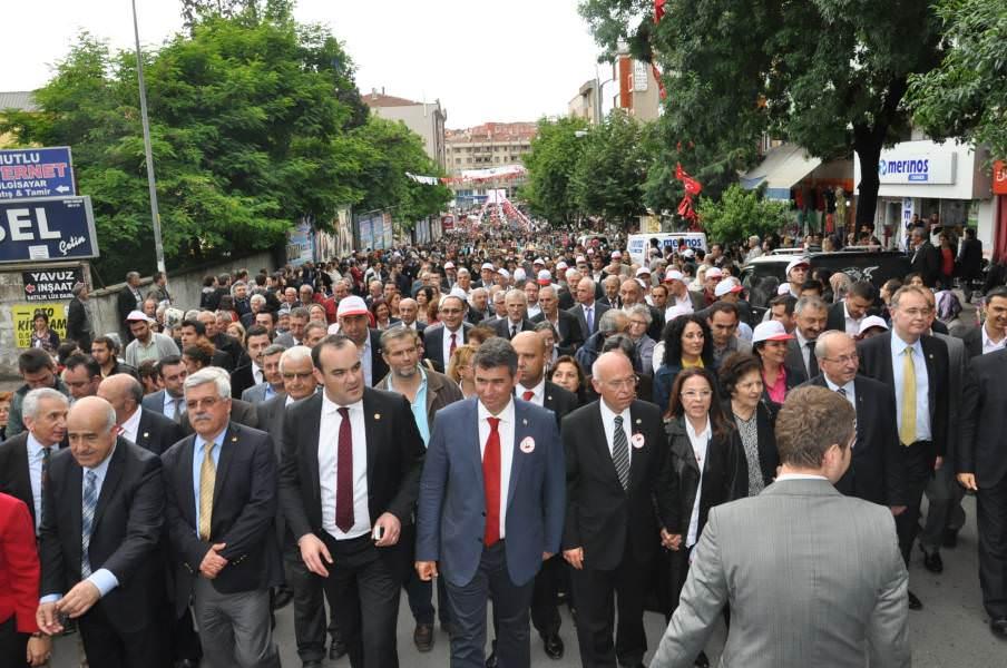 Kiraz Festivali korteji binlerce Tekirdağlı ile yürüdü