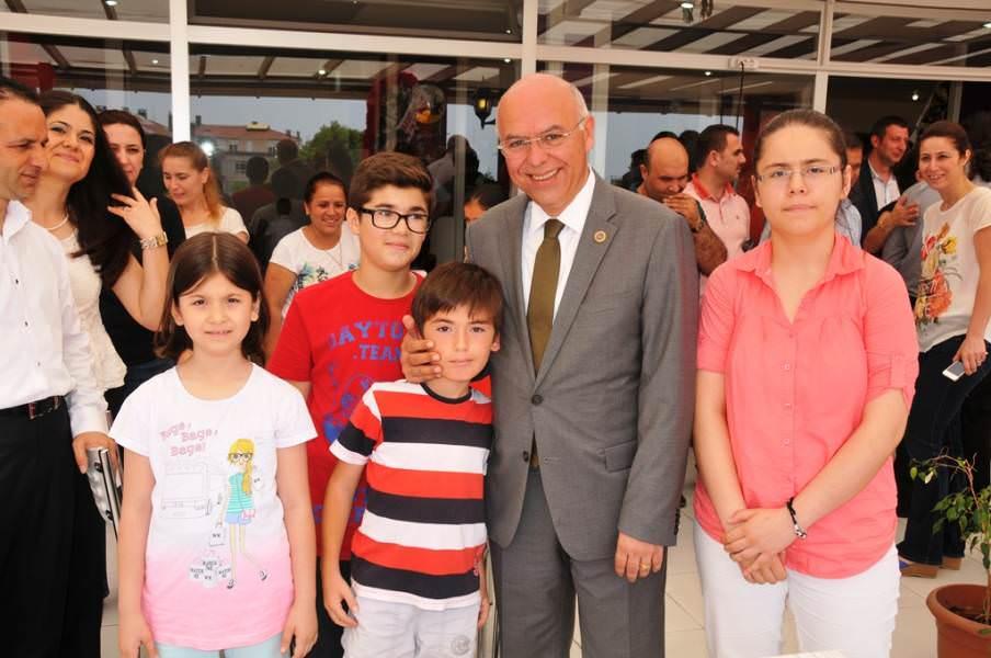 Başkan Eşkinat Napoli Pizza'nın açılışını yaptı