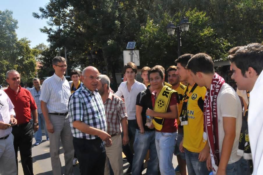 Başkan Eşkinat sarı siyahlı futbolseverleri İstanbul deplasmanına uğurladı