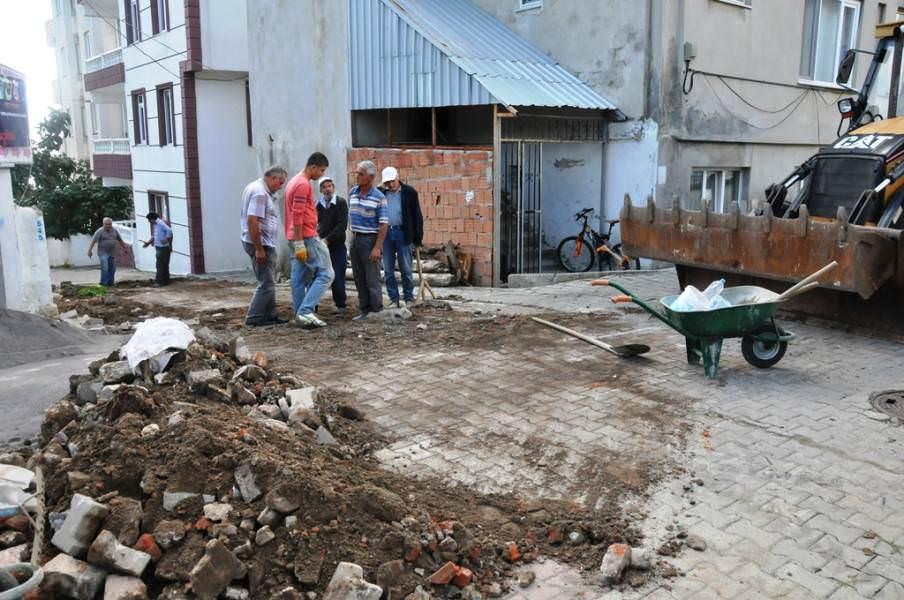 Süleymanpaşa Belediyesi yol onarım çalışmalarına devam ediyor