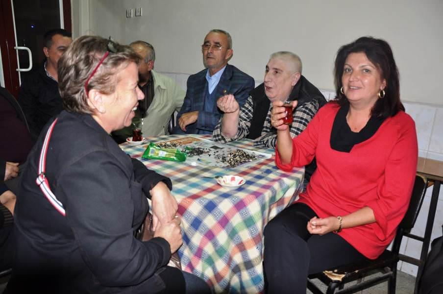 Süleymanpaşa Belediyesi Barbaros Mahallesindeki vatandaşlar ile bayramlaştı