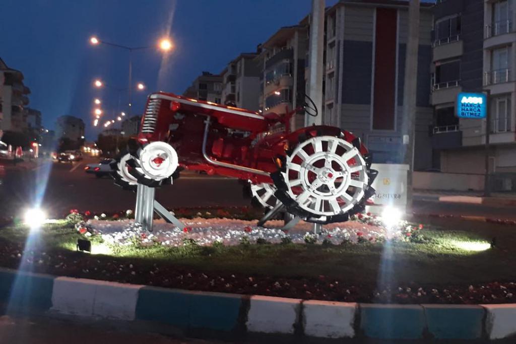 Antika traktör Başkan Yüksel ile hayata döndü