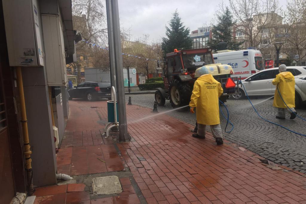 Süleymanpaşa Belediyesi hava şartlarına aldırmadan Korona ile mücadeleye devam ediyor