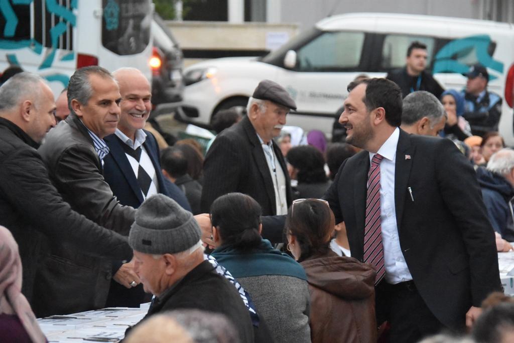 Başkan Yüksel Gönül Sofrası'ndan birlik mesajı verdi