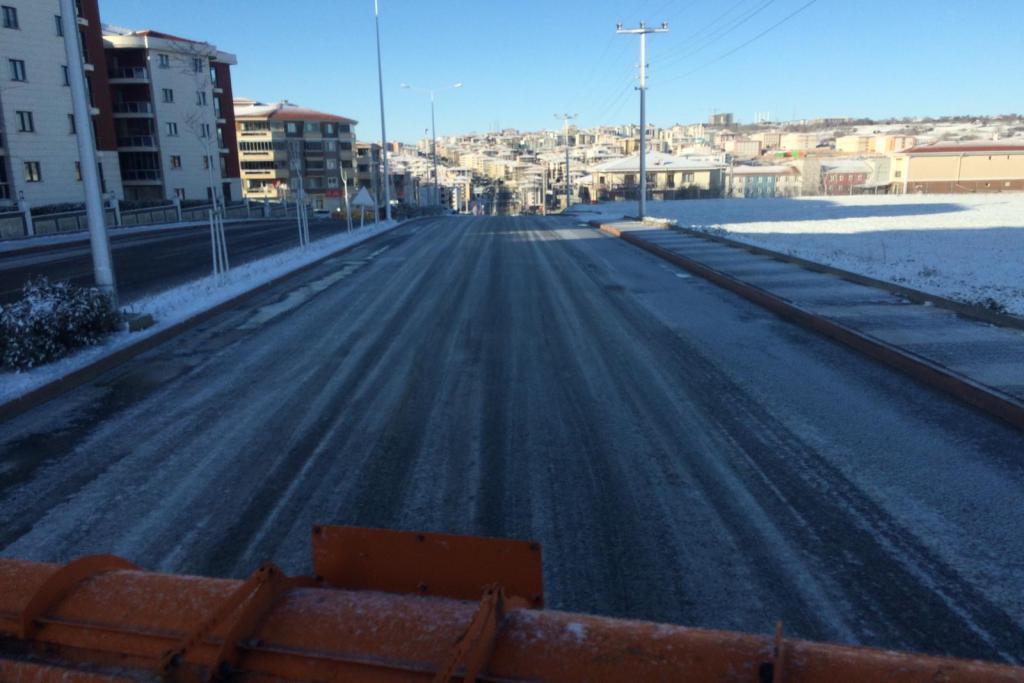 Süleymanpaşa Belediyesi'nde kar mesaisi