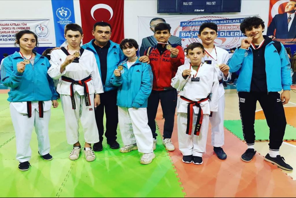Süleymanpaşalı Tekvandocular Babaeski'den 7 madalya ile döndü