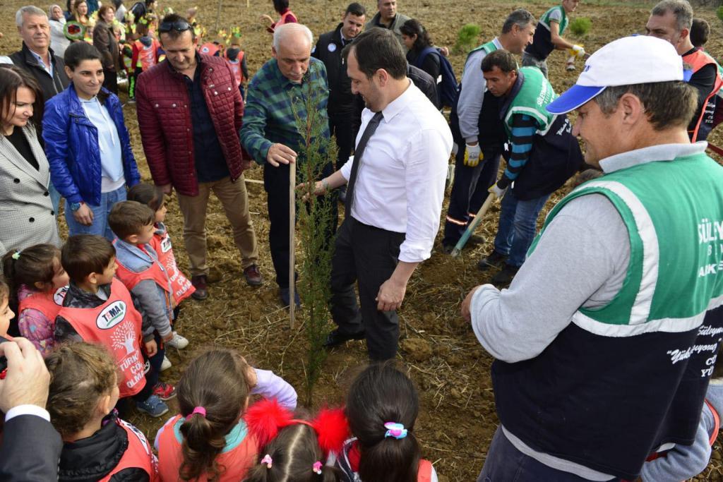 Geleceğe nefes olsun diye, Süleymanpaşa'da fidanlar toprakla buluştu