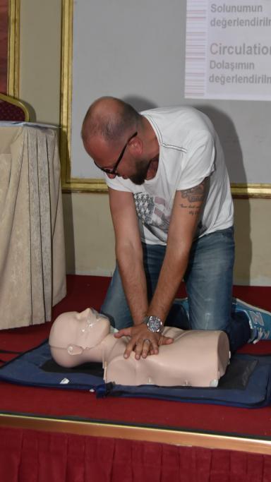 Süleymanpaşa Belediyesi personellerine ilk yardım eğitimi veriliyor