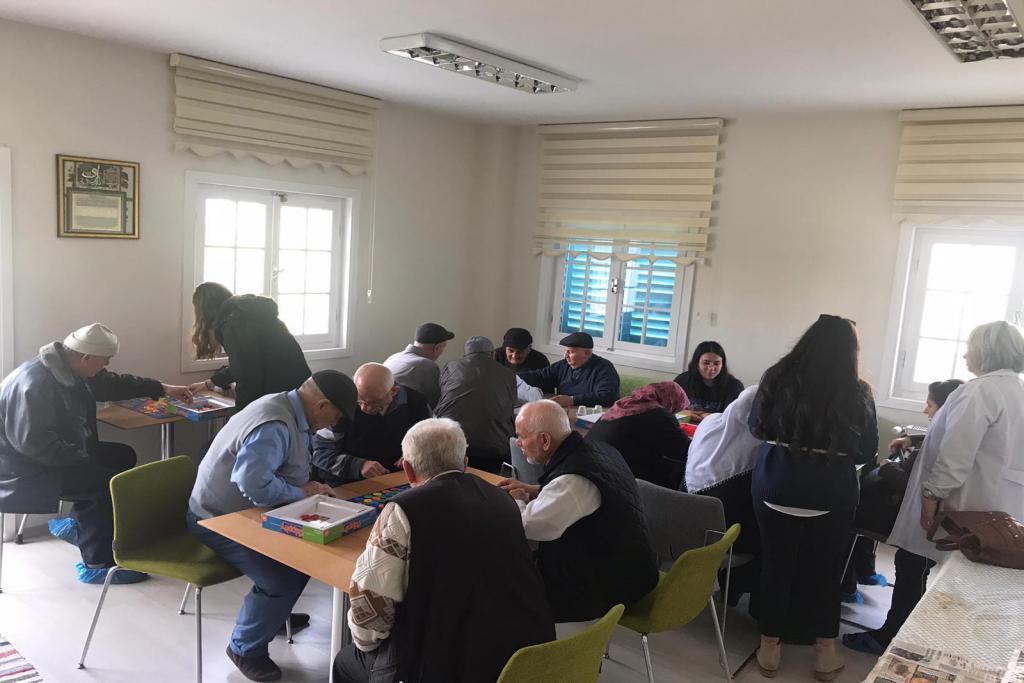 Yaşlı Yaşam ve Sosyal Aktivite Merkezi Yüzleri Güldürüyor
