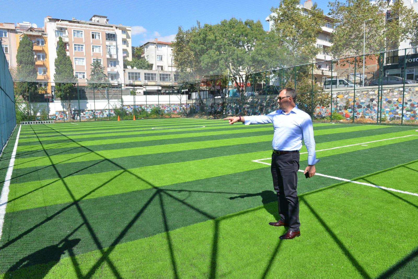 Başkan Yüksel Yavuz Mahallesi halı saha tesislerinde incelemede bulundu