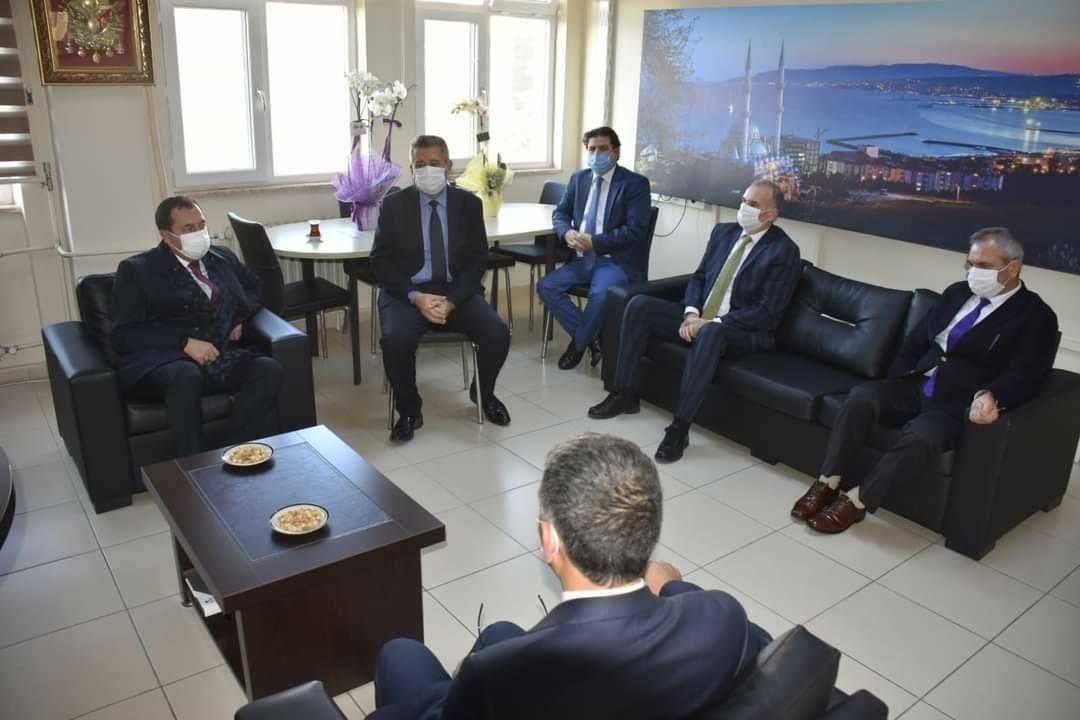 Başkan Yüksel'den İlçe Milli Eğitim Müdürü Atilla'ya Öğretmenler Günü ziyareti