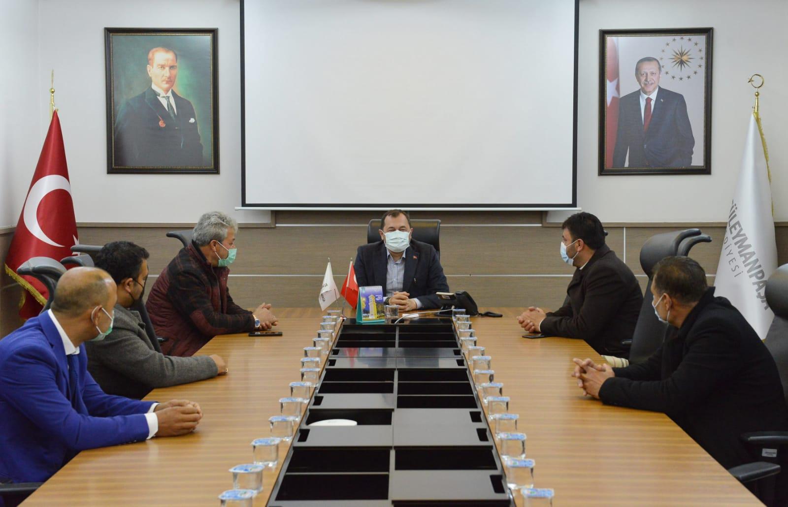 Başkan Yüksel Roman Federasyonu temsilcilerini ağırladı