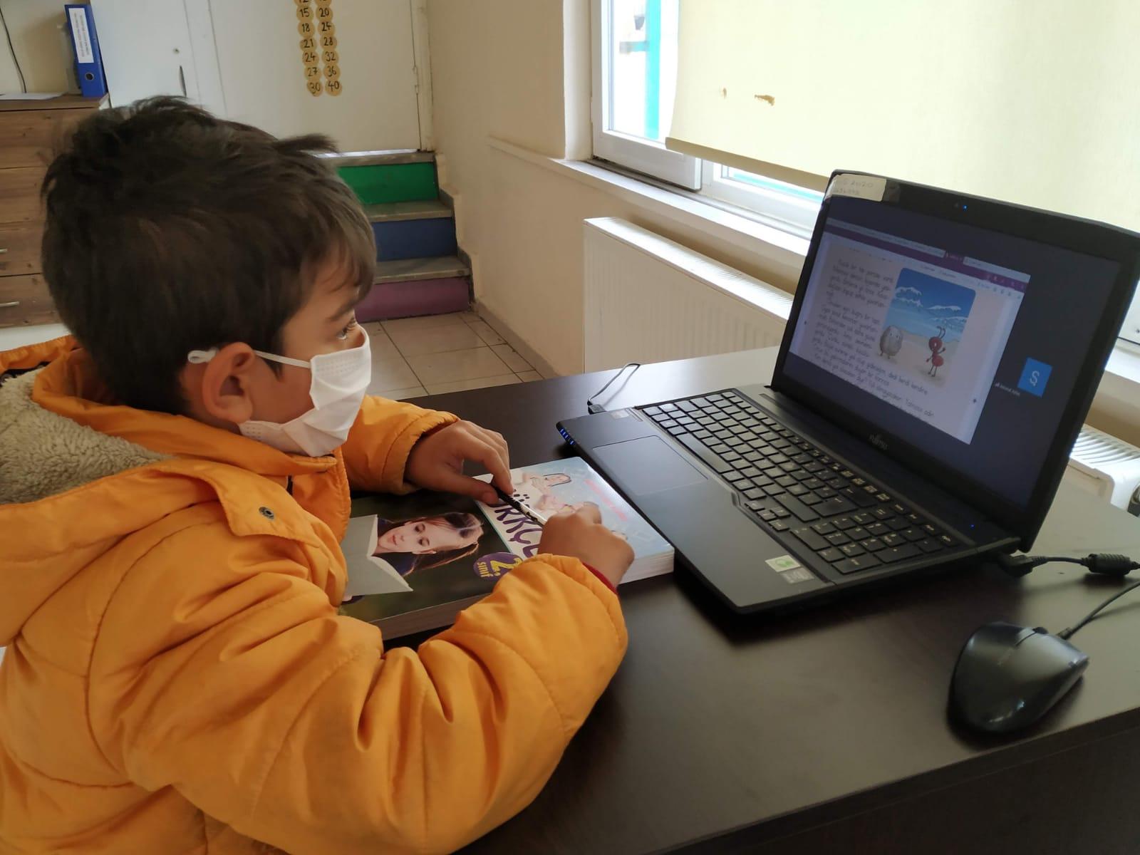 Aydoğdu Mahallesi Sosyal Etkinlik Merkezi EBA desteğini sürdürüyor